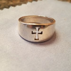 JAMES AVERY, STERLING SILVER CROSSLET RING